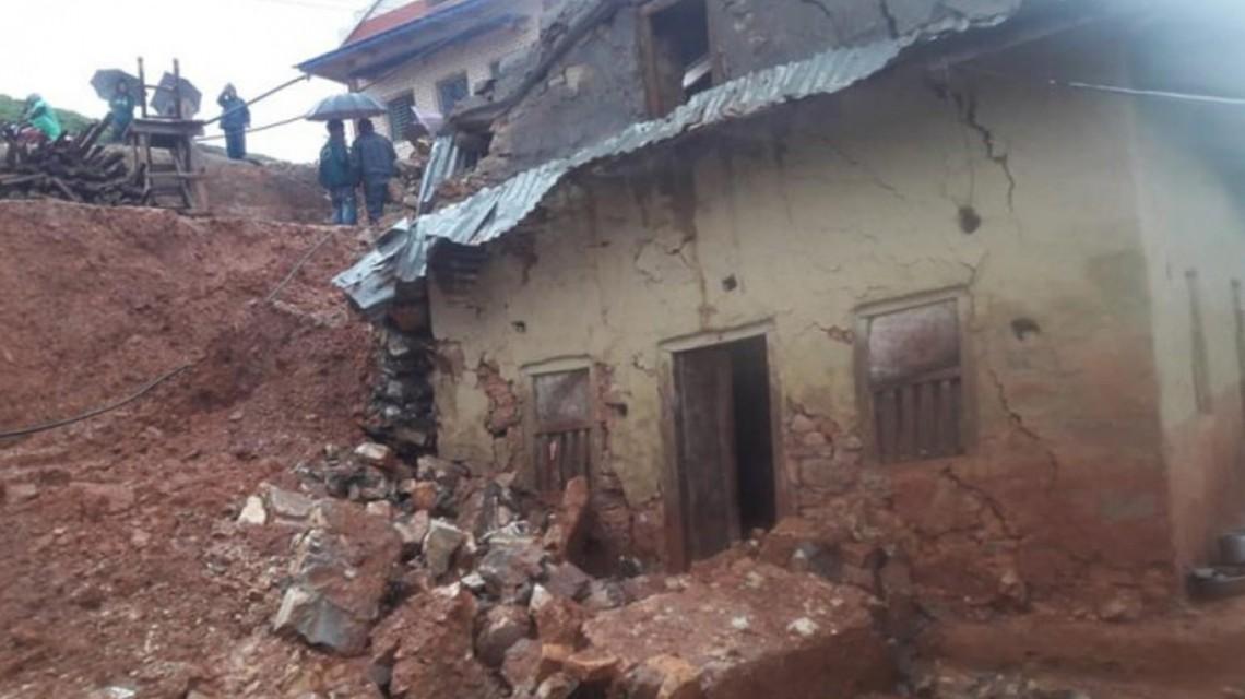 रुकुम पूर्वमा १३ घर पहिरोको उच्च जोखिममा